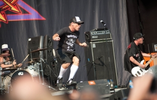 Sofia Rocks 2012: Ugly Kid Joe, Within Temptation, Kaiser Chiefs, Guns N' Roses