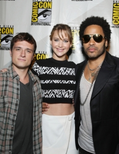 Актьорите от The Hunger Games; Catching Fire на Comic-Con: San Diego 2013 - 6