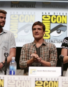 Актьорите от The Hunger Games; Catching Fire на Comic-Con: San Diego 2013 - 7