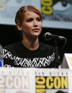 Актьорите от The Hunger Games; Catching Fire на Comic-Con: San Diego 2013 - 8