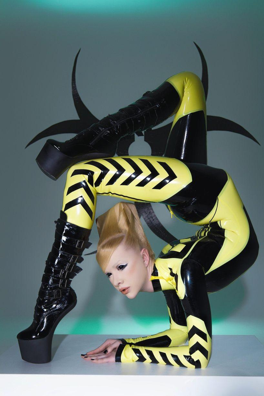 Schlangenfrau Zlata - най-гъвкавата жена в света