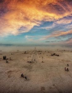 Луисид дрийминг със сюрреалистичните фотографии на Ари Фарарой от Burning Man 2014 - 12