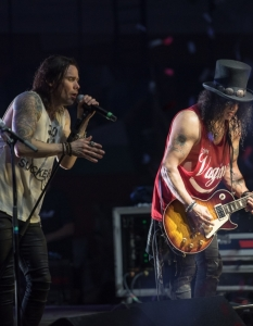 SLASH feat Myles Kennedy and the Conspirators (29 юни 2015) - 33