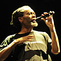 "Bobby McFerrin не изпя ""Dont Worry, Be Happy"" в София"