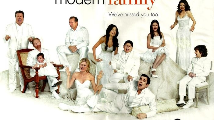 Modern Family (Oscar Promo: Charades Party)