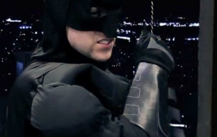 Batman The Dark Knight Rises Siri Commercial (Пародия)