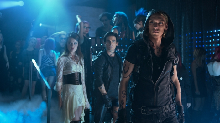 The Mortal Instruments: City of Bones (Official Trailer)