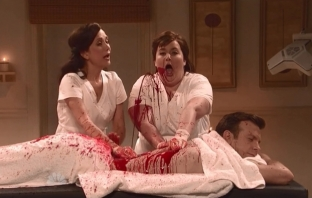 Kristen Wiig Returns to SNL - Acupuncture Bloody Fail (с Jason Sudeikis)