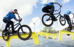 Байкърите от Raditudes превземат Red Bull BMX Performance Camp