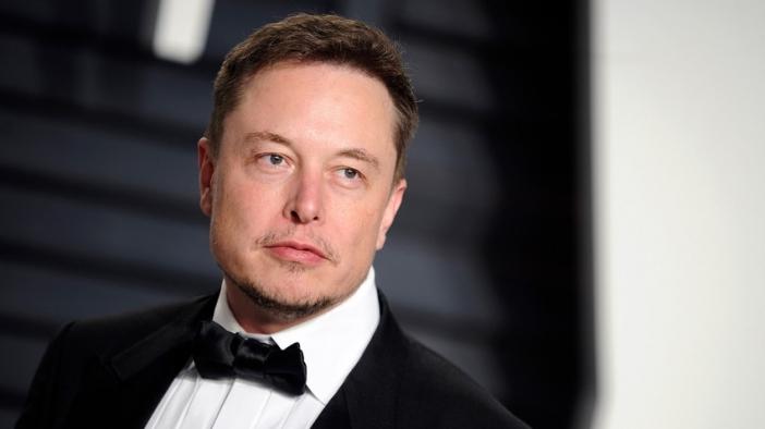 Илон Мъск унищожи страниците на Tesla и SpaceX във Фейсбук